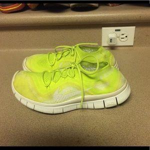 Nike Free Flyknit Women's 8 Volt Yellow/Green
